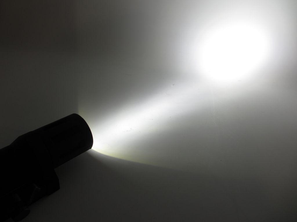LAMPE TACTIQUE - STROB [NIGHT EVOLUTION]
